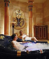 Ägyptischer Badetempel im Hotel Bayerischer Wald